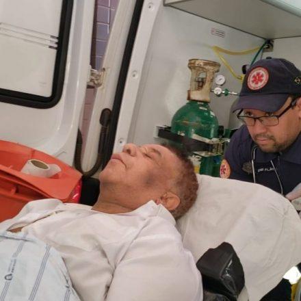 Agnaldo Timóteo tem 'discreta melhora', mas segue entubado e em estado grave na BA