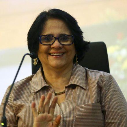 Corrupção causa dano semelhante ao de arma de destruição, diz ministra