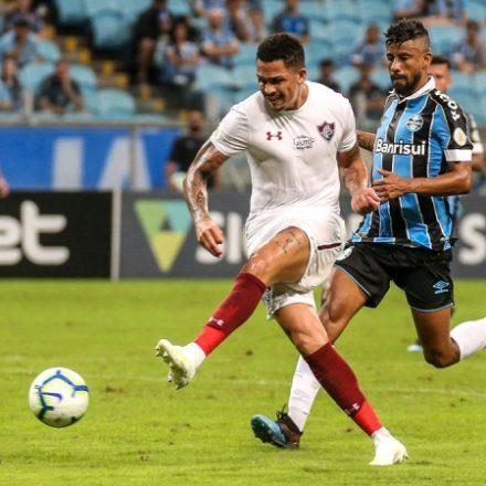 Em jogo de reviravoltas, Fluminense vence Grêmio por 5 a 4