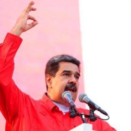 Maduro aparece em vídeo ao lado de militares e destaca fidelidade