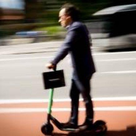 Capacete para usuários de patinete elétrico em São Paulo passa a ser obrigatório