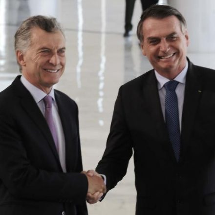 Bolsonaro visita Macri de olho em eleição argentina e no futuro do Mercosul