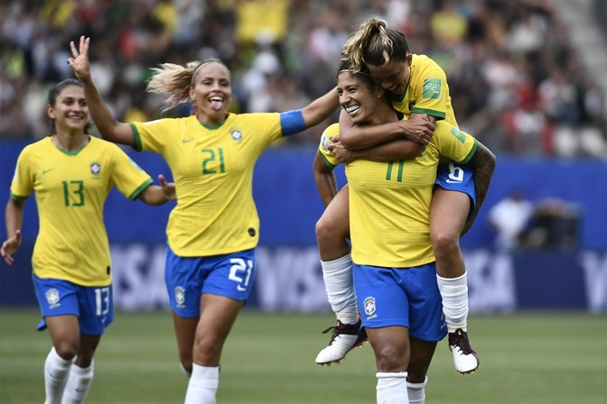 Prefeitura de SP suspende expediente em dias de jogos do Brasil