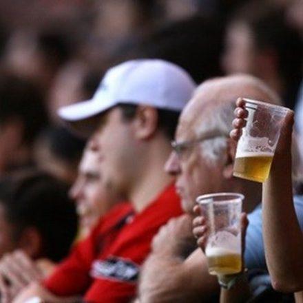 Doria veta cerveja no estádio, mesmo com aprovação da ALESP