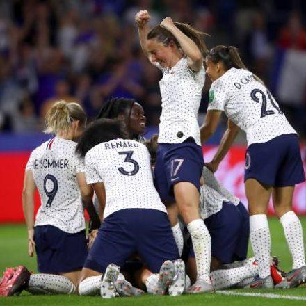 Brasil perde para França e dá adeus à Copa do Mundo Feminina