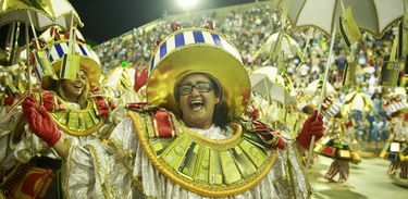 Imperatriz Leopoldinense mantida no grupo especial do carnaval do Rio