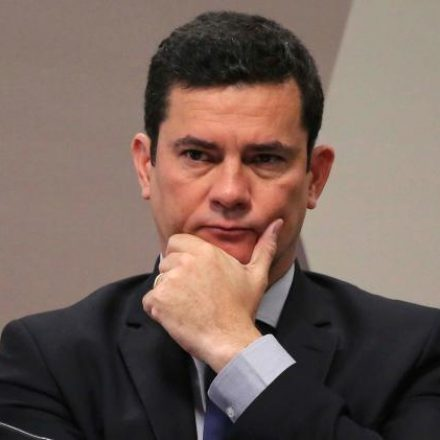 """No Senado, Moro ataca site, cobra prova e é criticado por """"péssima memória"""""""