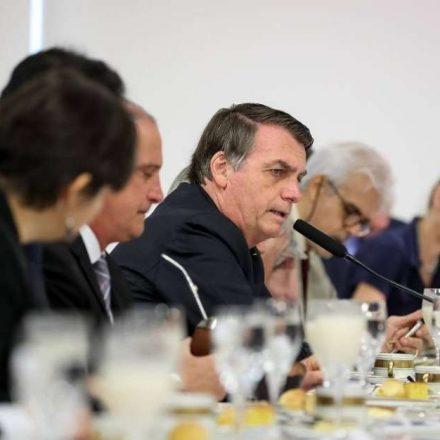 Bolsonaro: Acredito que anúncio do FGTS vai ser na quarta-feira