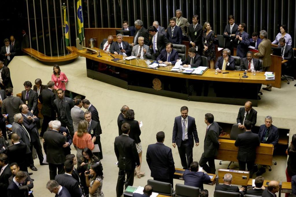 Câmara aprova texto-base da MP da Liberdade Econômica.