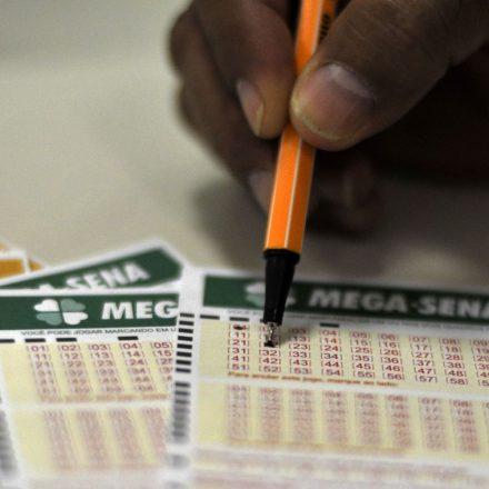 Mega-Sena sorteia prêmio de R$ 35 milhões neste sábado.