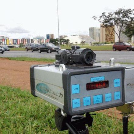 Bolsonaro manda suspender uso de radares nas rodovias federais.