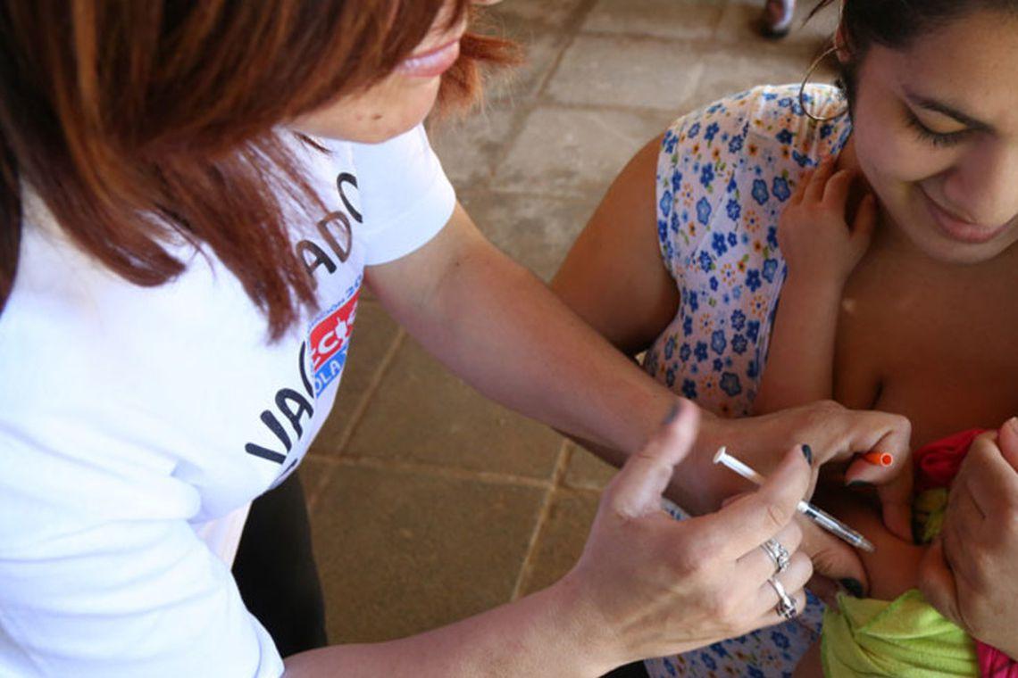 Ministério da Saúde tira dúvidas sobre transmissão do sarampo.