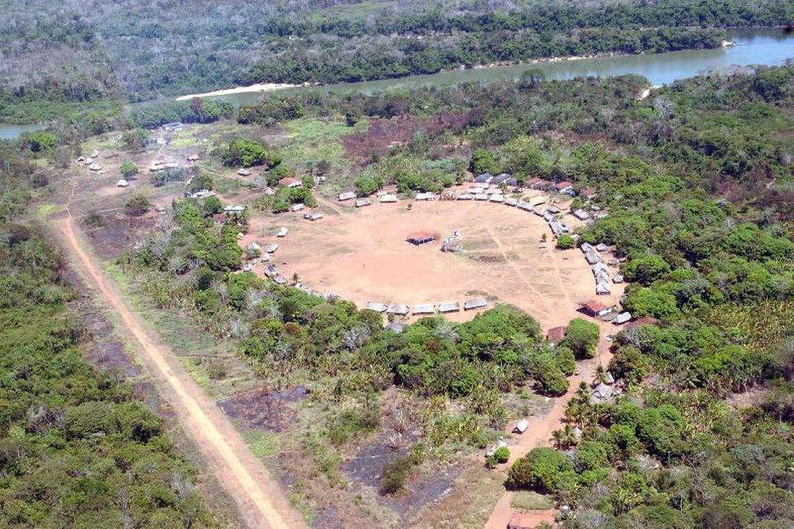 CCJ aprova PEC que permite atividade agropecuária em terra indígena.