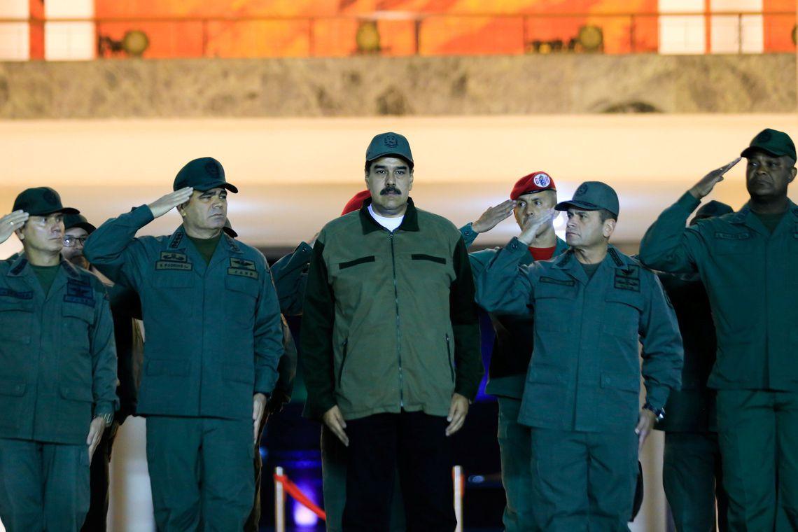 Maduro convoca protesto mundial contra bloqueio imposto pelos EUA.