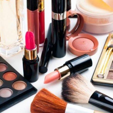 Volume de vendas de cosméticos, higiene e perfumaria cai 10,9% de janeiro a julho