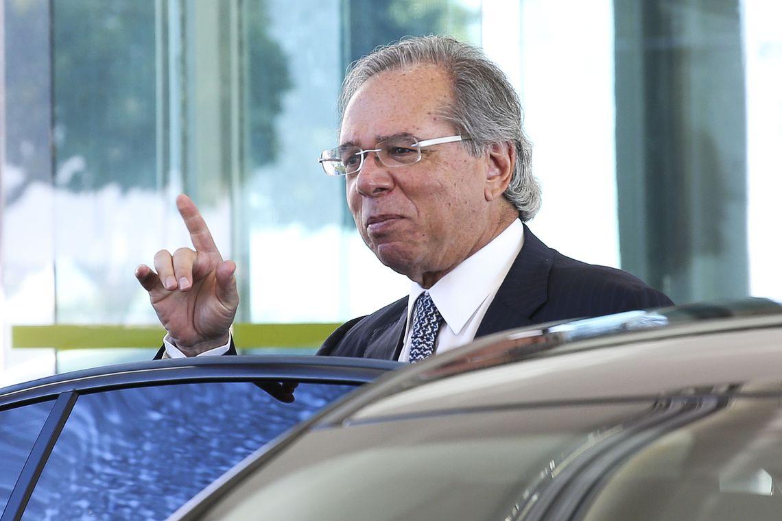 """""""Preço de petróleo é com a Petrobras"""", diz Guedes"""