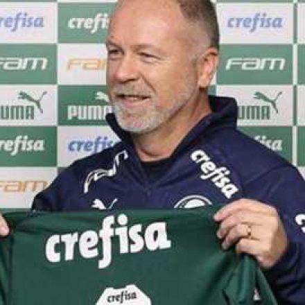 Com protestos, Mano Menezes comanda seu primeiro treino no Palmeiras