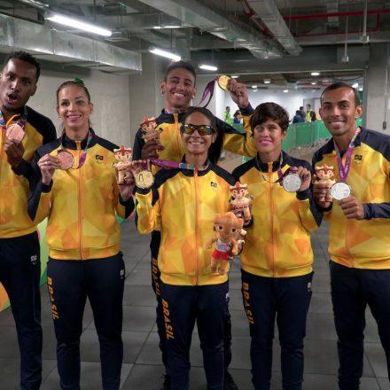 Em Lima, Brasil bate recorde histórico com 308 medalhas.