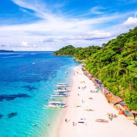 Turista de Taiwan recebe multa nas Filipinas por usar biquíni fio dental