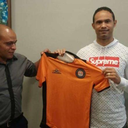 Goleiro Bruno alega quebra de acordo e rescinde com time de MG