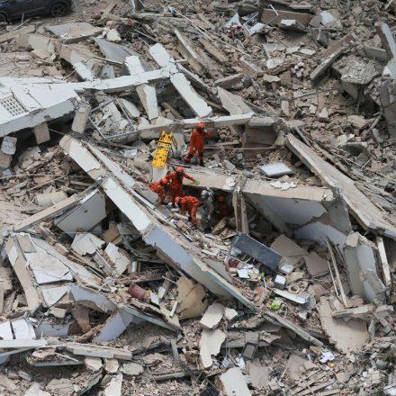 Bombeiros confirmam quarta morte em desabamento em Fortaleza