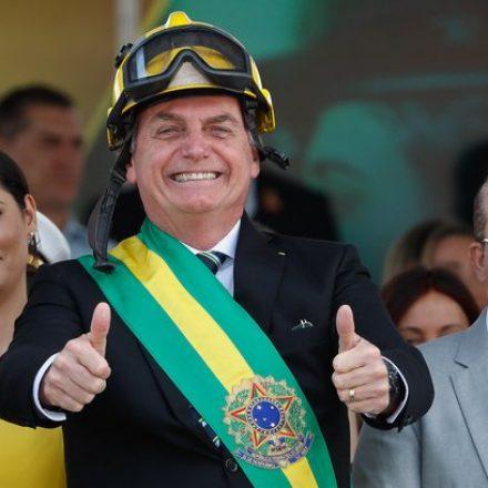 Bolsonaro anuncia 38 como número do Partido Aliança pelo Brasil, em referência a revólver