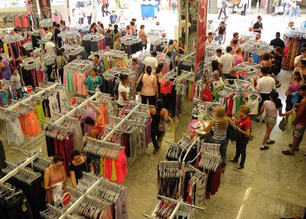 Maioria dos trabalhadores do comércio da capital paulista terá reajuste de 4%