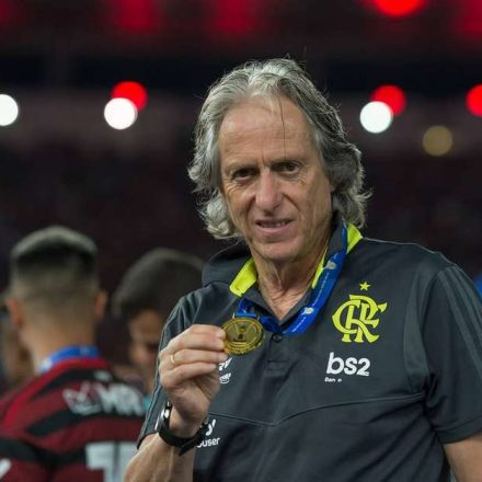 Jorge Jesus só discutirá renovação com o Flamengo após Mundial