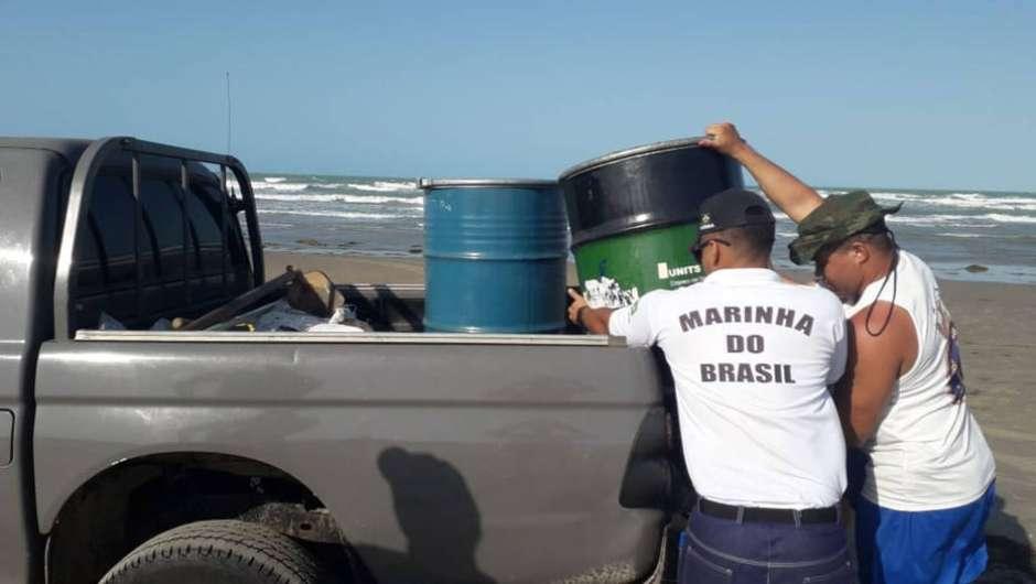Marinha considera crise do vazamento de óleo 'estabilizada'