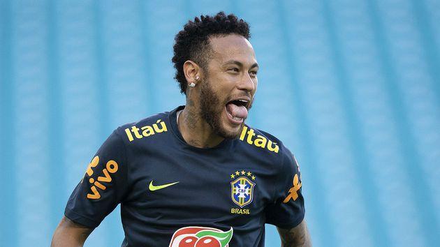 Neymar é advertido, mas escapa de denúncia em caso de agressão a torcedor