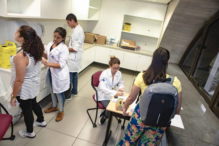 Postos de saúde abrirão, neste sábado, para vacinar contra sarampo