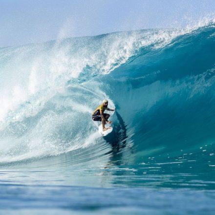 Ítalo Ferreira conquista título de campeão do Circuito Mundial de Surfe