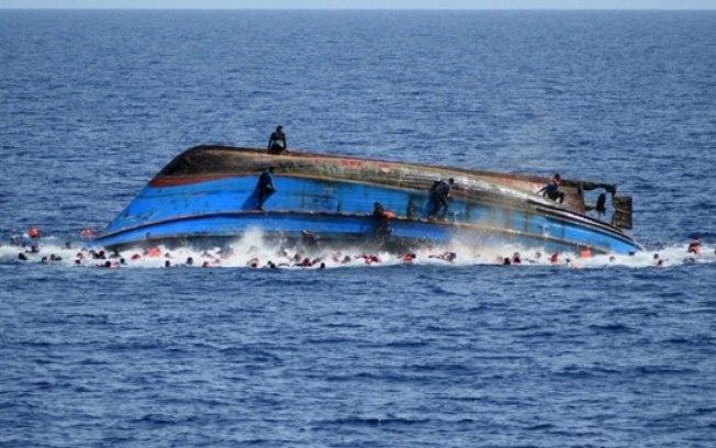 Ao menos 58 imigrantes morrem após barco virar na costa da Mauritânia, na África
