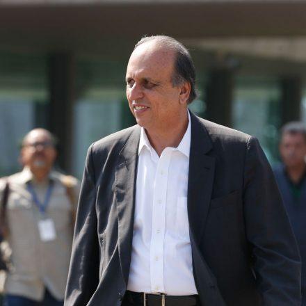 Ex-governador do RJ deixa prisão com tornozeleira eletrônica