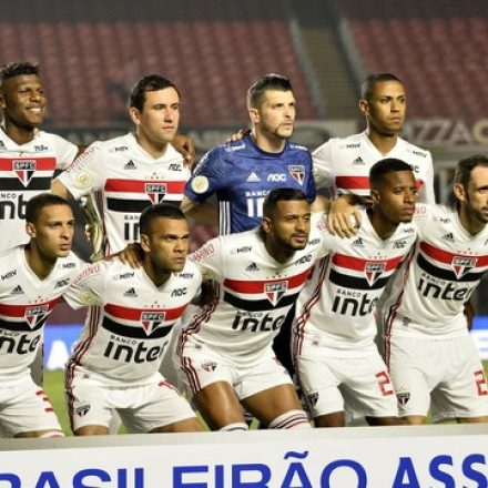 São Paulo vence e se garante na fase de grupos da Libertadores; CSA rebaixado