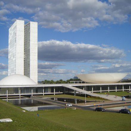 Apoio à democracia cai entre brasileiros, diz Datafolha