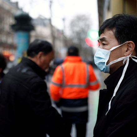 Covid-19: China agora registra 1.380 mortos e 63.581 infectados