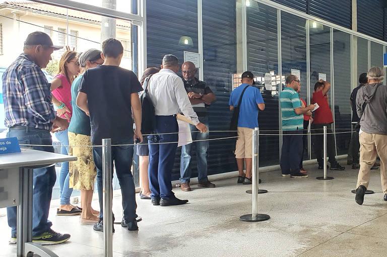 Servidores do INSS marcam protesto para sexta-feira