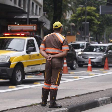 CET libera circulação de veículos pesados para abastecimento
