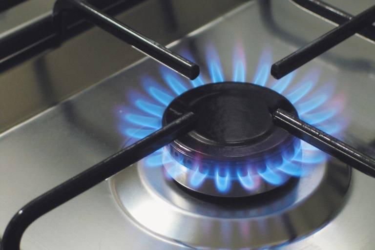 Comgás suspende corte de gás de cliente que não pagar conta