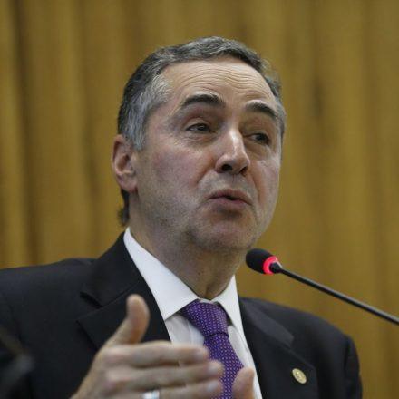 Ministro Barroso toma posse como presidente do TSE