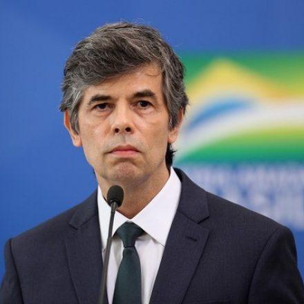 Ministro da Saúde visita AM, estado com maior incidência de Covid-19 no Brasil