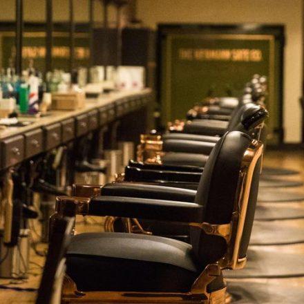 Salões, barbearias e academias permanecem fechados em SP