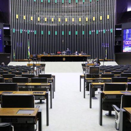 Deputados Federais seguem Senado e também aprovam eleições municipais para novembro