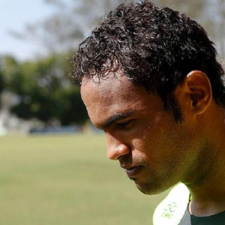 Patrocinador suspende contrato com Rio Branco-AC após acerto com goleiro Bruno