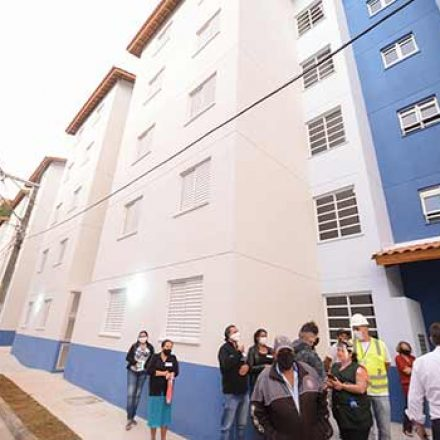 Prefeitura de São Bernardo entrega 60 unidades habitacionais na Vila Esperança