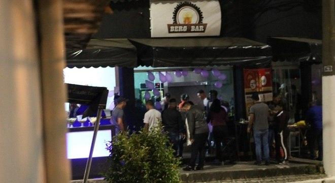 Bar em Itaquera (SP) faz festas e desrespeita regras na pandemia