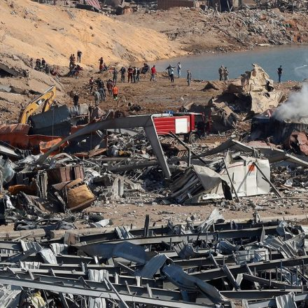 Equipes buscam por sobreviventes de explosão que deixou mais de 100 mortos e 4 mil feridos no Líbano
