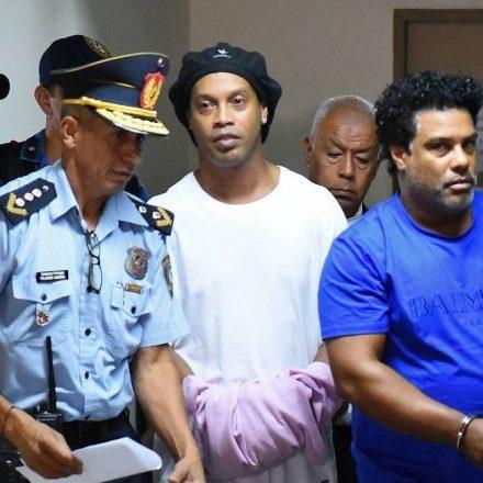 MP DO PARAGUAI PEDE US$ 200 MIL DE MULTA A RONALDINHO E IRMÃO