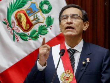 Presidente do Peru é absolvido de impeachment